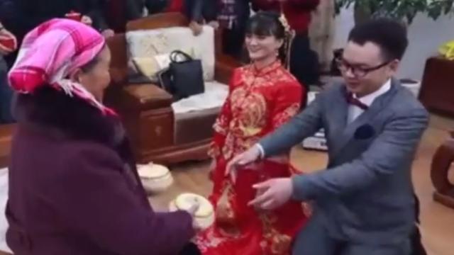 接新娘时怎么整新郎_婚礼上如何整蛊新郎新娘-百度经验